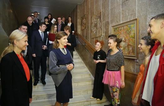 Марина Порошенко та Юлія Світлична звернулися до харківських студентів