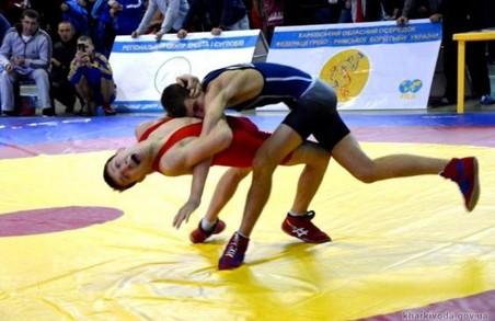 Харківські юніори здобули медалі на змаганнях з греко-римської боротьби