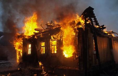 Під Харковом на пожежі загинула молода жінка