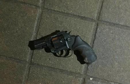 Біля ЮЖД у Харкові відбулася бійка з пістолетом