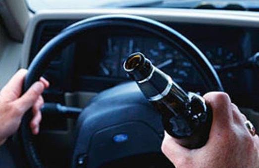 На вихідних патрульні зупинили 17 п'яних водіїв