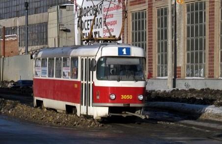 Трамвай №1 повертається на свій звичний маршрут