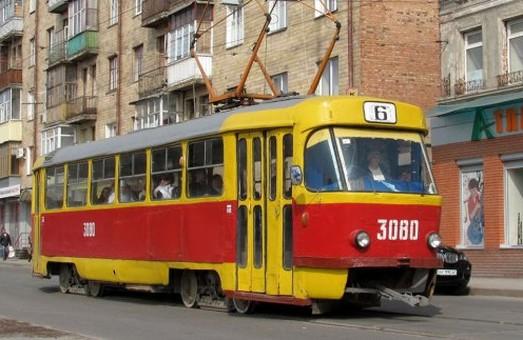 Шостому трамваю тиждень дозволили поїздити