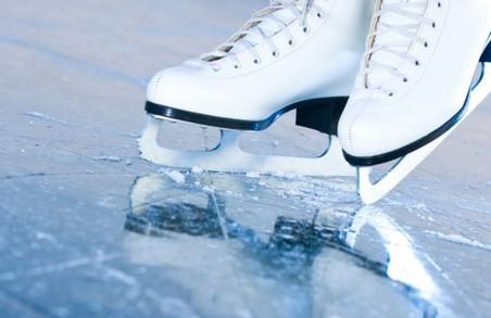 На площі Свободи можна безкоштовно покататися на ковзанах