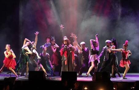Американські постановники відібрали 69 танцюристів та вокалістів для шоу «Шлях до Бродвею»