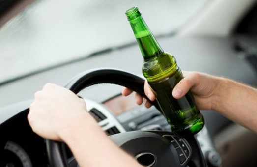 На цих вихідних було викрито 37 п'яних водіїв