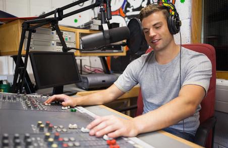Частка українських пісень на радіо зросла вдвічі