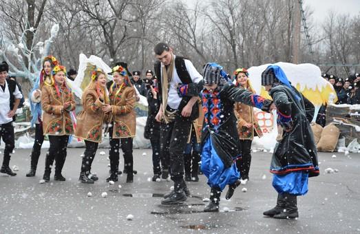 День Святого Миколая відзначили у харківському виші битвою на подушках