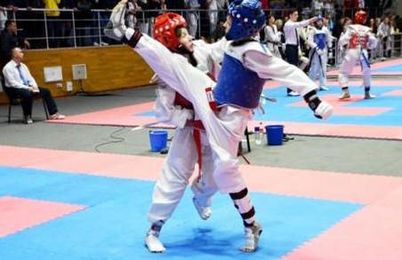 Юні харківські тхеквондисти розіграли останні медалі року