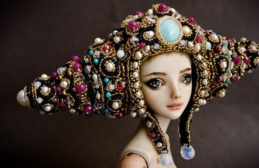Нарядні ляльки та милі ведмедики – в «Бузку» стартує нова виставка