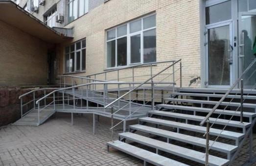 Більшість медзакладів Харківщини доступні для людей з інвалідністю