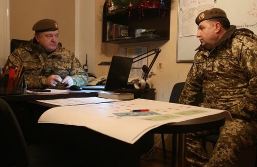 Усі 74 українських заручники уже вдома, на контрольованій нашою армією території, - Порошенко