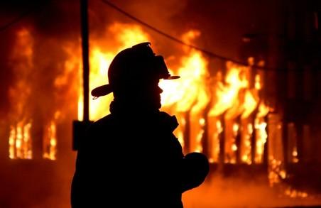 Пожежники змогли врятувати мати з немовлям від вогню
