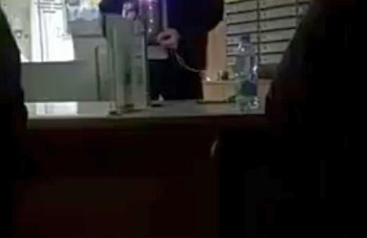 У Харкові невідомий захопив заручників на пошті: поліція намагається знешкодити терориста /ВІДЕО, ДОПОВНЕНО
