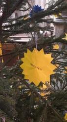 У Чехії ялинку прикрасили назвами окупованих українських міст