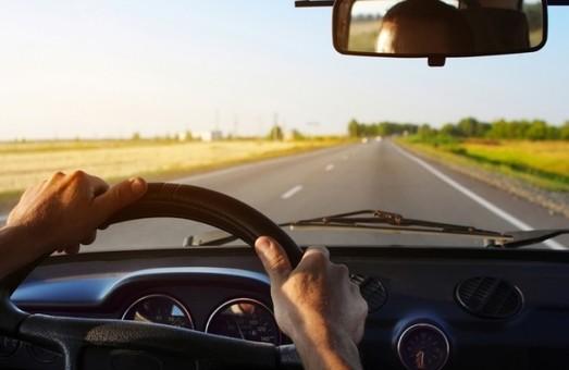 Тепер українці мають їздити не швидше 50 км/год по населеним пунктам