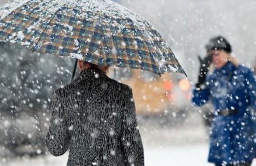 У Харкові задіяно близько 70 одиниць снігоприбиральної техніки