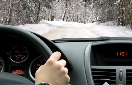 Патрульна поліція Харкова закликає водіїв бути особливо обачними на дорогах