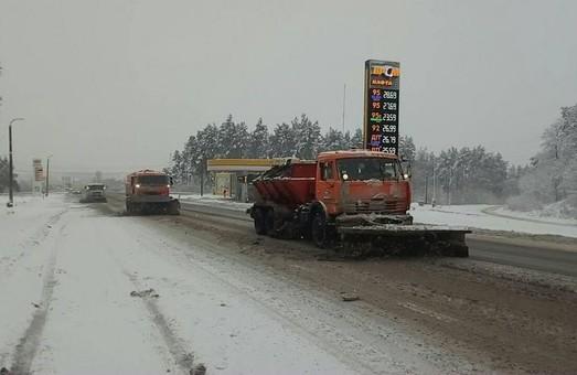 Найгірша погода очікується у південній частині Харківщини. Службам вдається забезпечити проїзд транспорту