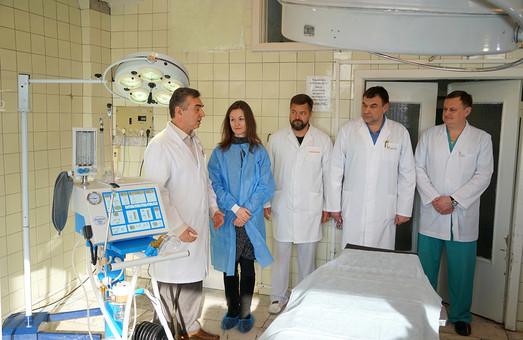 Організатори «Класичної Феєрії» передали харківській лікарні апарат штучного дихання для дітей
