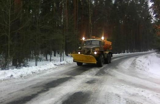На дорогах Харківщини працювало 126 одиниць спецтехніки