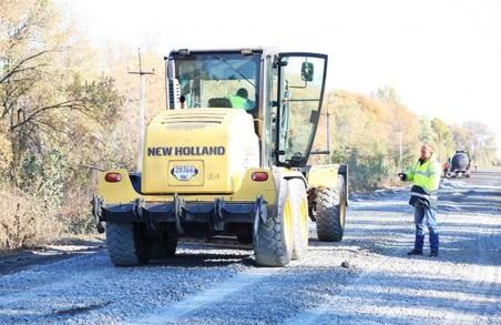 Цього року на Харківщині капітально відремонтують близько 112 км місцевих доріг