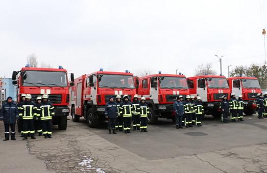Деякі харківські рятувальники обзавелися новими автівками