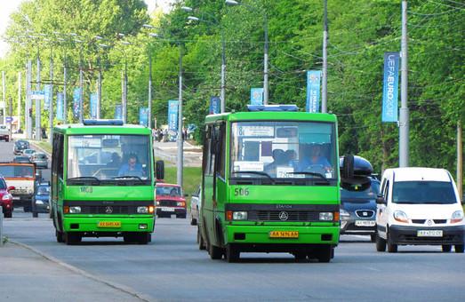 В Харкові збільшать кількість автобусів по деяким маршрутам
