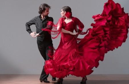 Телеведучі Горбунов та Осадча проведуть в Харкові танцювальний конкурс