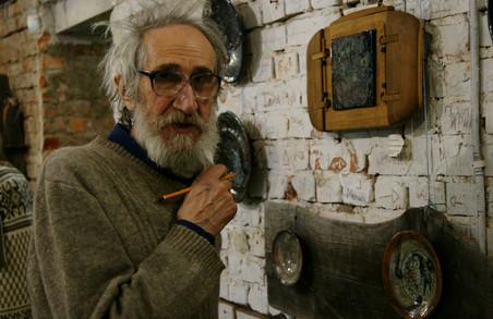 Предмети, що наділені душею: Володимир Шаповалов представив роботи з кераміки