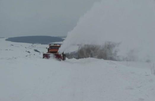 На Харківщині розчищають дороги - фото