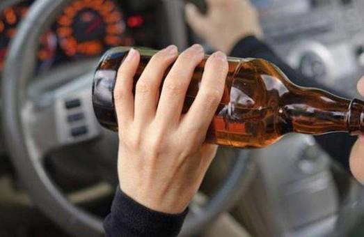 """На Великодні свята патрульних """"потішила"""" рекордна кількість п'яних водіїв"""