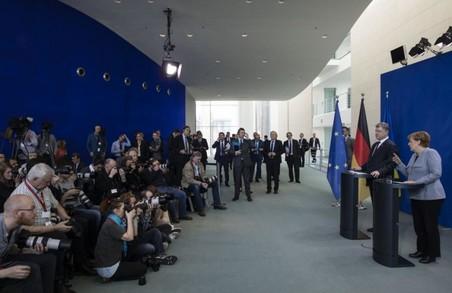 Ми сподіваємося, що миротворча місія на Донбасі зможе наблизити безпекові кондиції для початку політичного процесу місцевих виборів - Порошенко