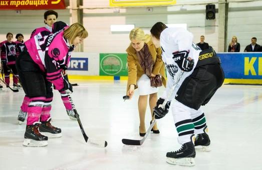 Міжнародний жіночий хокейний турнір у Харкові: Юлія Світлична надихнула «Пантер» на перемогу
