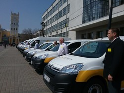 Харківській філії Укрпошти було передано 37 нових авто - Світлична
