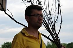 Як харків'яни провели «панахиду» за зрізаними деревами