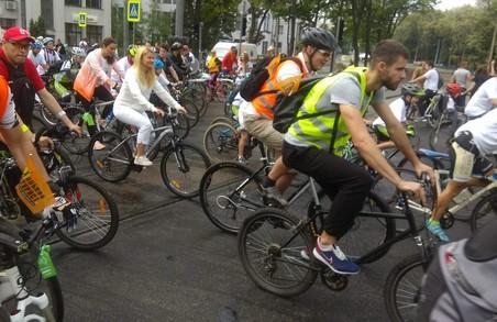 У Велодні в Харкові беруть участь 25 тисяч харків`ян - Світлична