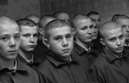 Харківським школярам розповідають, чому не слід нехтувати законом