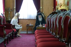 Патріарх Єрусалимський вручив Світличній Орден Святогробського братства