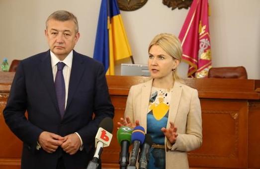 Обов'язок влади - не словом, а ділом показувати результат: Світлична підбила підсумки сесії обласної ради