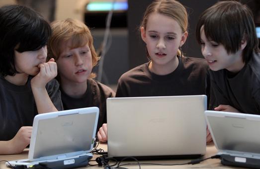 Проект НУШ на Харківщині: нові меблі, швидкі комп'ютери та спеціально навчені вчителі