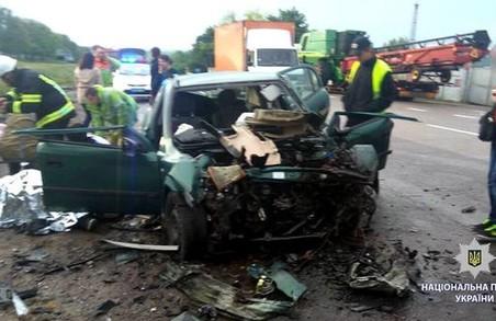 Під Харковом трапилася серйозна аварія: постраждалі у тяжкому стані