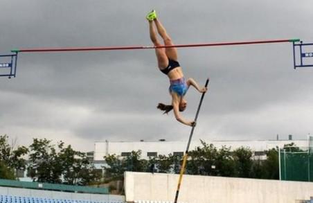 Харківська спортсменка стала кращою в секторі стрибків з жердиною