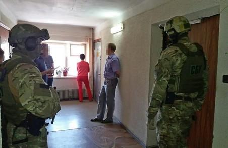 Харківського поліцейського спіймали на хабарі