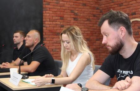 Харківські активісти розповіли подробиці потасовки в приміщенні міськради