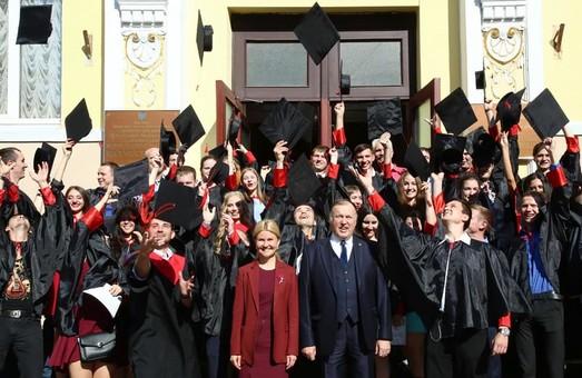 Цього року 2,5 тисяч іноземних громадян отримали вищу освіту в Харкові - Світлична