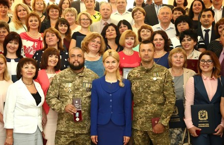 Світлична привітала зі святами найкращих представників усіх сфер життя Харківщини
