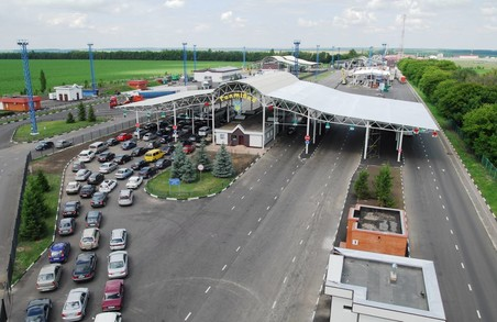 На кордоні з РФ - проблеми з пропуском автомобілів