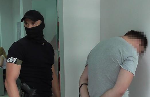 На Харківщині затримані члени транснаціонального угруповання торговців кокаїном