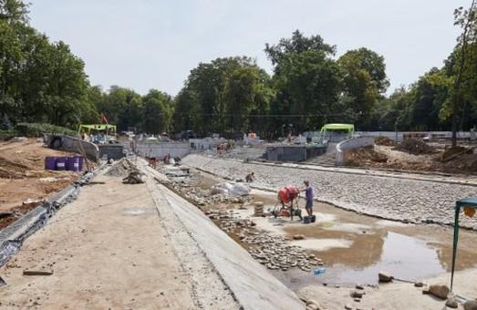 Після реконструкції у саду Шевченка має з`явитися 400 лавок